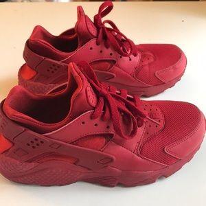 All RED Nike huarache
